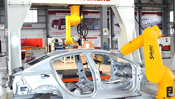tongyong白车身顶盖焊接xian场